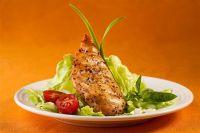 Салат с куриным филе и белыми грибами